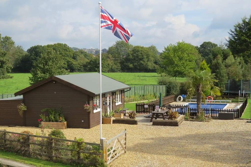 Luxurious cosy Cabin - an oasis of peace in Somerset - We look forward to making you welcome