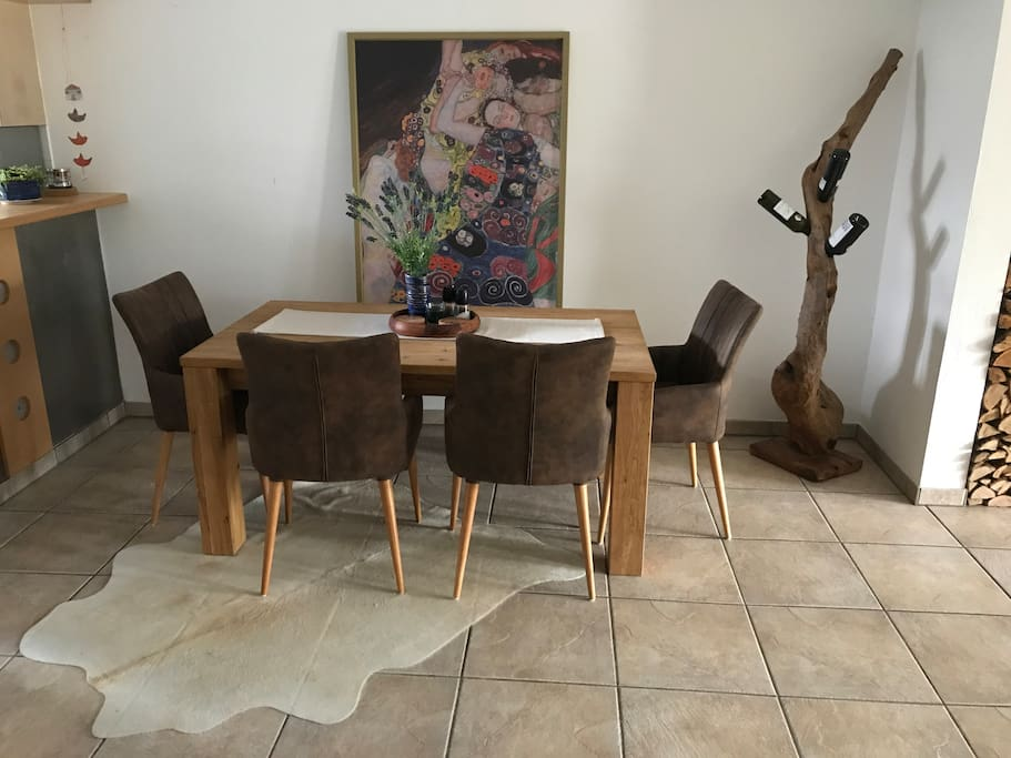 Dining room table pulls out to seat 8