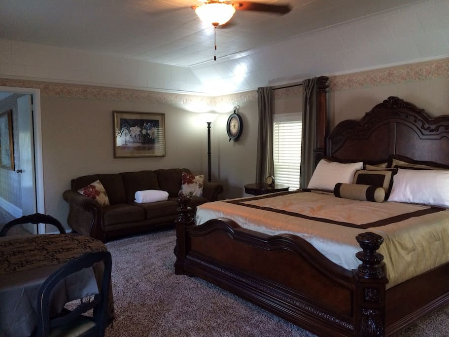 Enjoy a comfortable and quiet stay in your roomy master suite with a private bath.  Suite sleeps 4 in one king and 2 twins located in the adjoining bedroom.