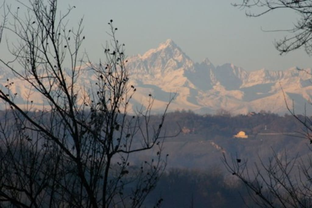 Ca Momplin I - Enjoy the breathtaking view of the Western Alps from your doorsteps