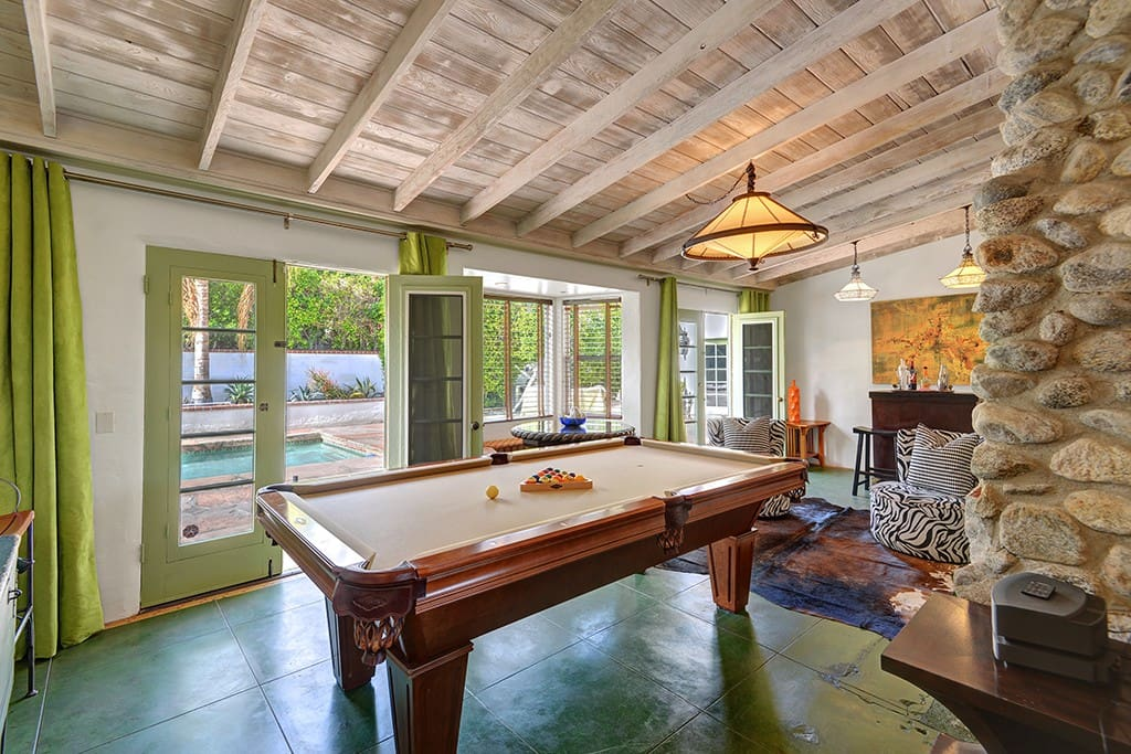 GAME ROOM REVERSE - CASA WARM SANDS - PALM SPRINGS VACATION RENTAL POOL HOME
