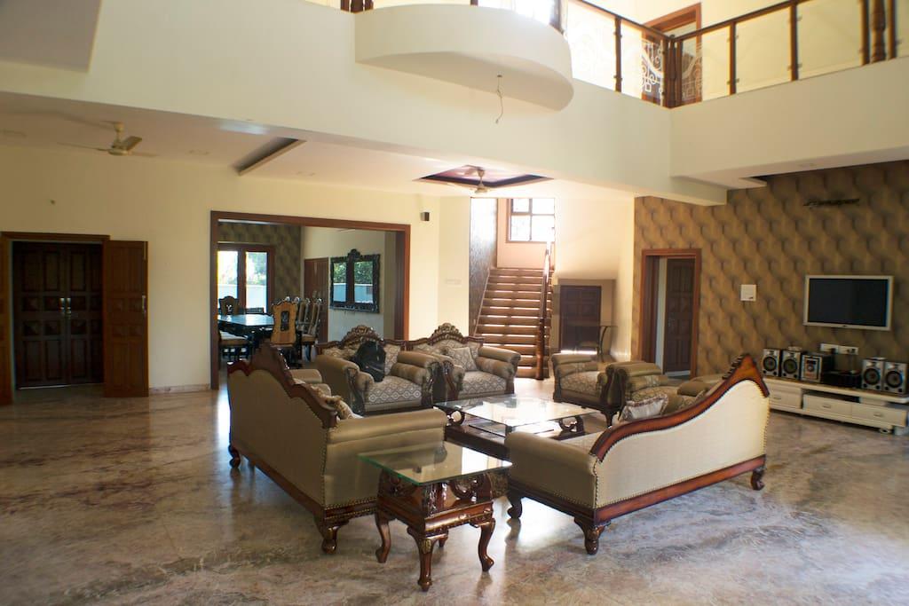 Grand Atrium Lounge