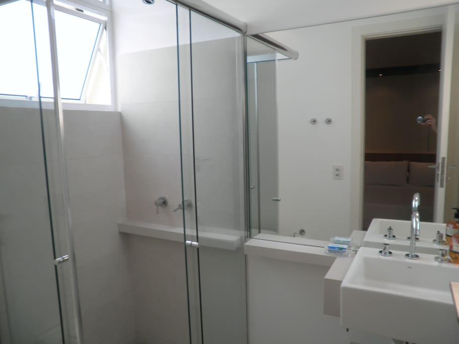 Bathroom (suíte)