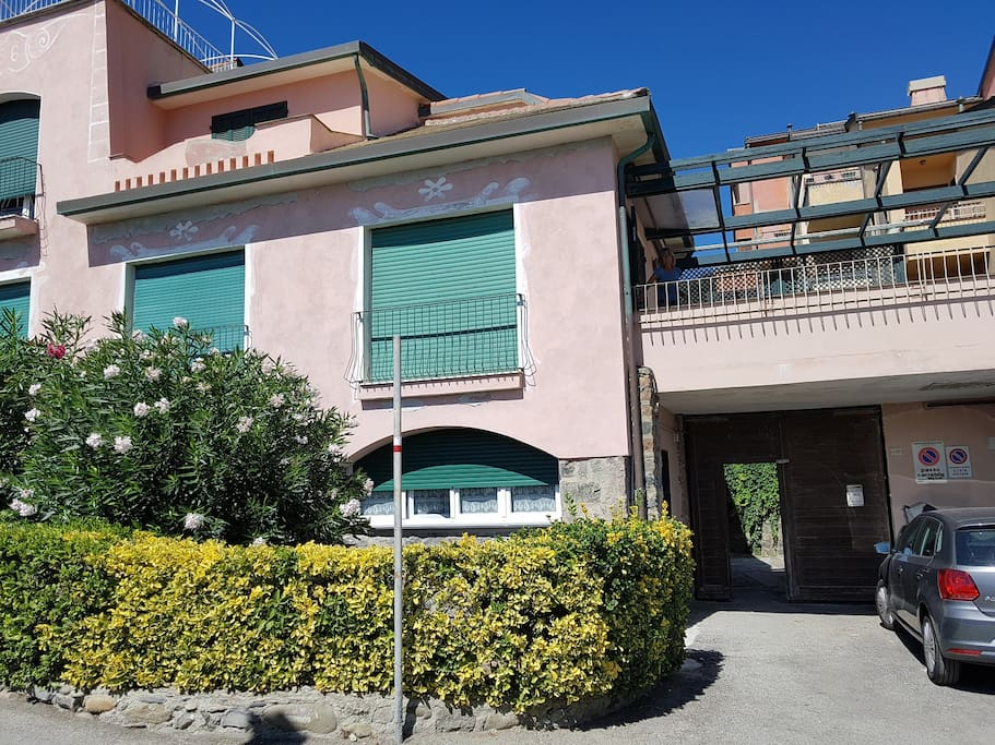 House front + Terrace + Car Park