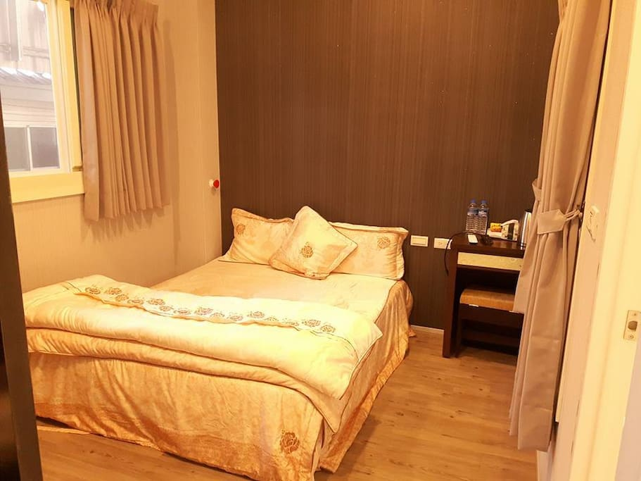 E1雙人套房,一間3500
