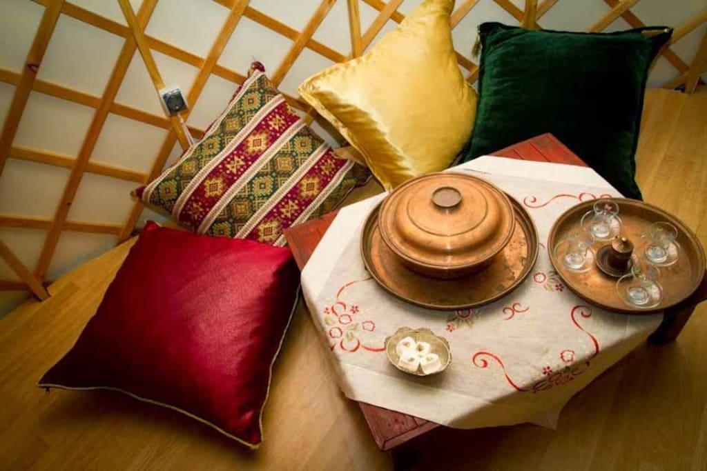 Seating in the Ottoman yurt