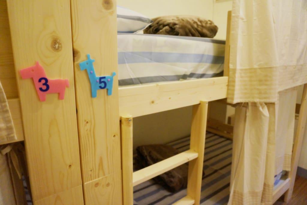 8人房 - 8 Bed Dorm