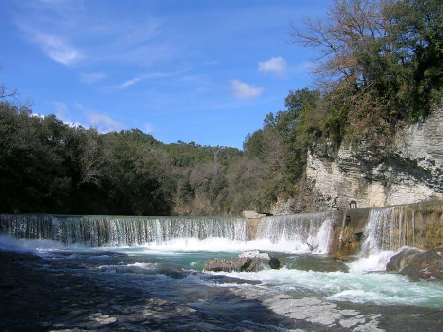 Río con cascada en la misma finca con acceso privado