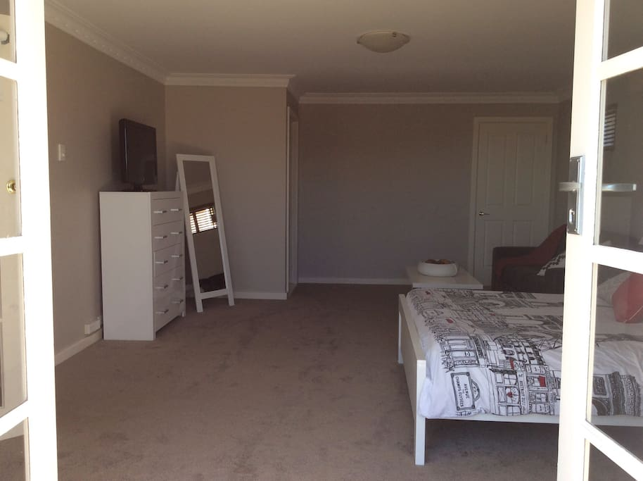 Own separate entrance, tv, ensuite and walk in robe