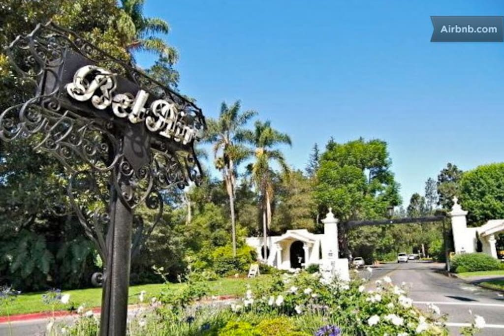 Bel Air gates, leading to the road to the house! Class & affluence!