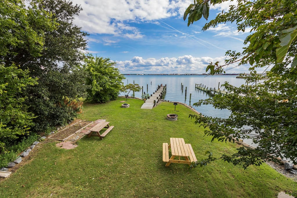 Outdoor common area with 100' dock, picnic tables, firepits and two park grilles