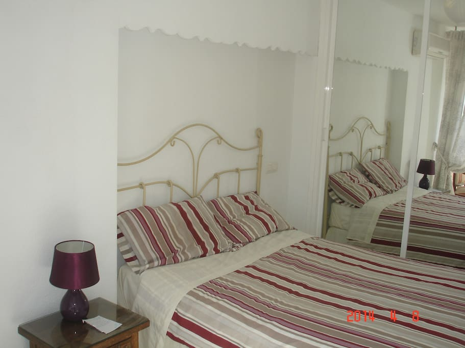 Main Bedroom (1 double bed)