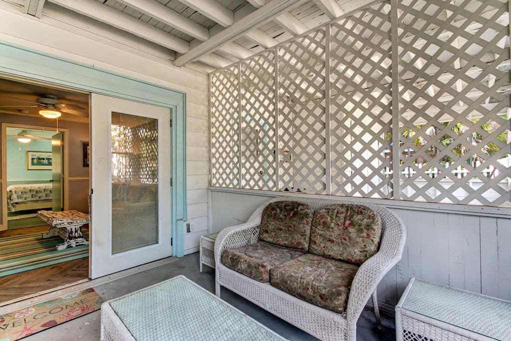 Front Screen Porch