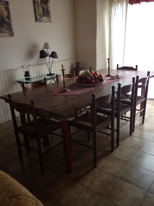 Large dining table seats 8 comfotably