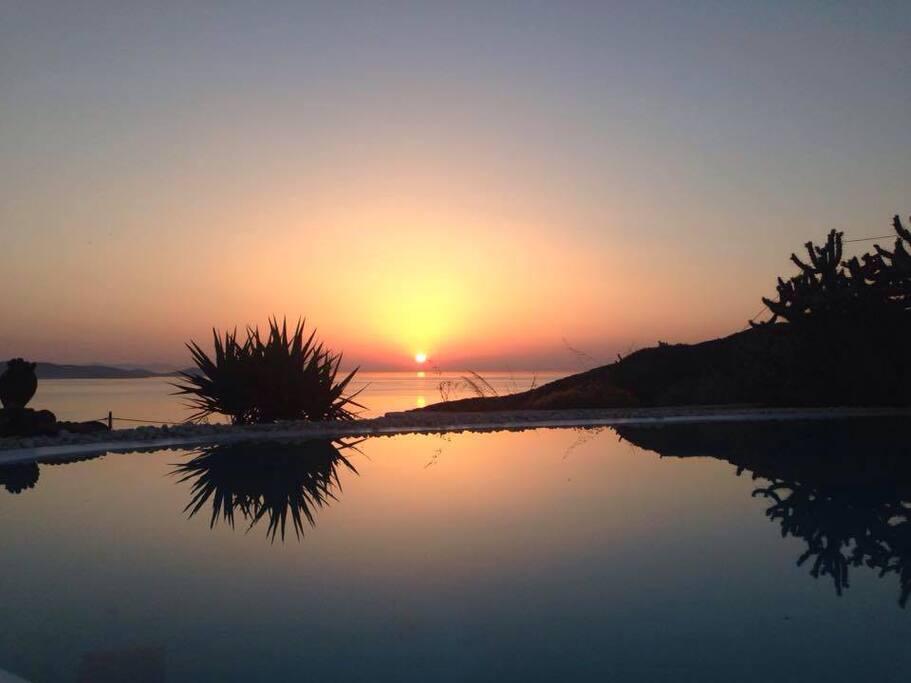 Sunset Aleomondra Mykonos