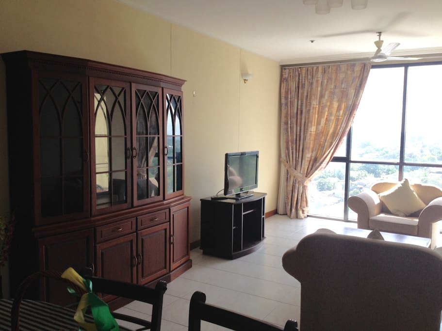 Lounge Room with views of the Colombo Skyline