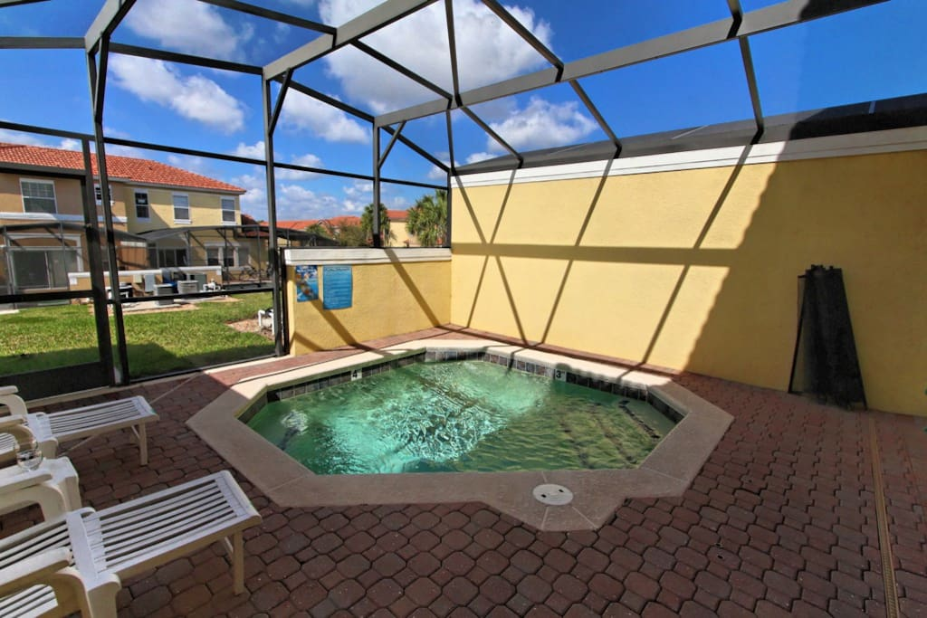 You and your family can make hundreds of happy memories as you play together in and around this sparkling pool under the warm Florida sunshine.