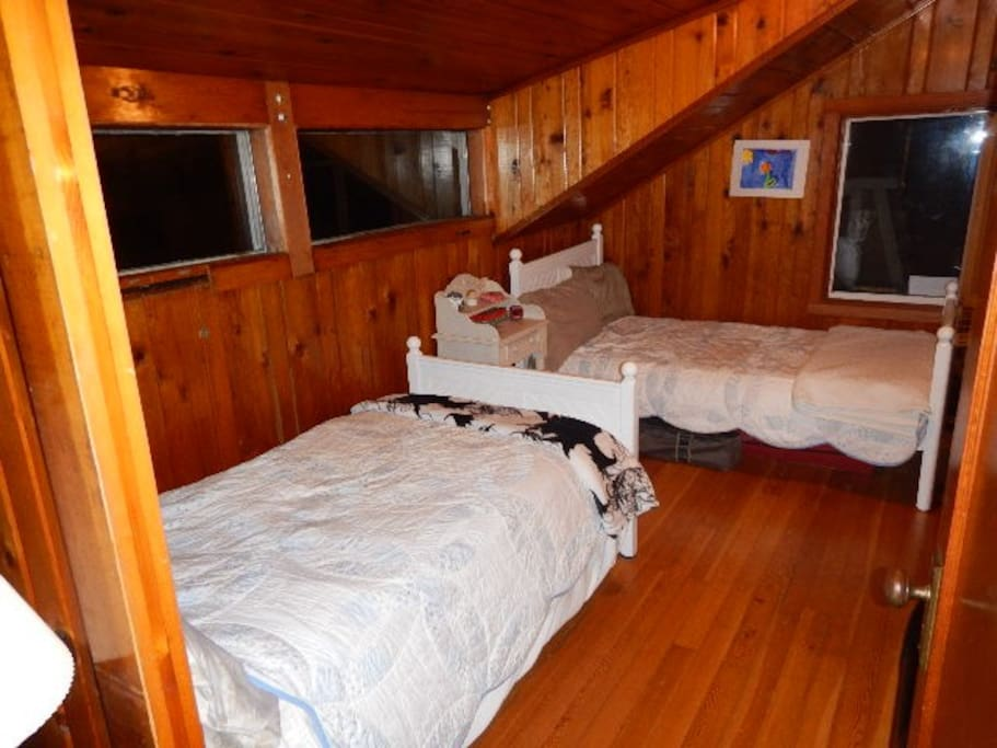 2 Twin beds in rented room