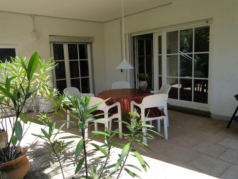 Zugang von Wohn-und Schlafzimmer zur Terrasse