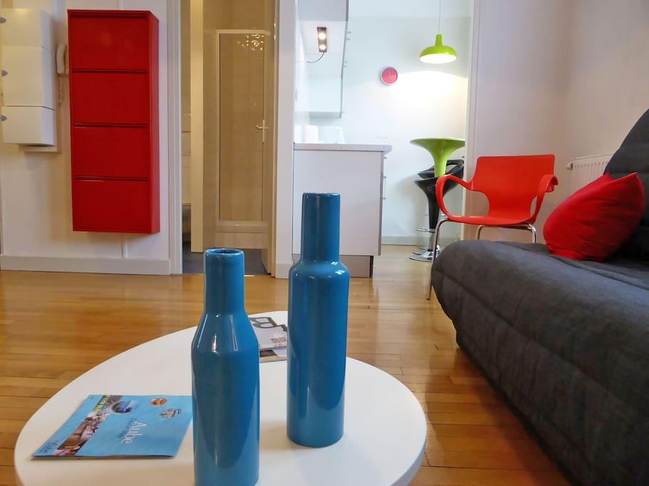 Un appartement au décor coloré