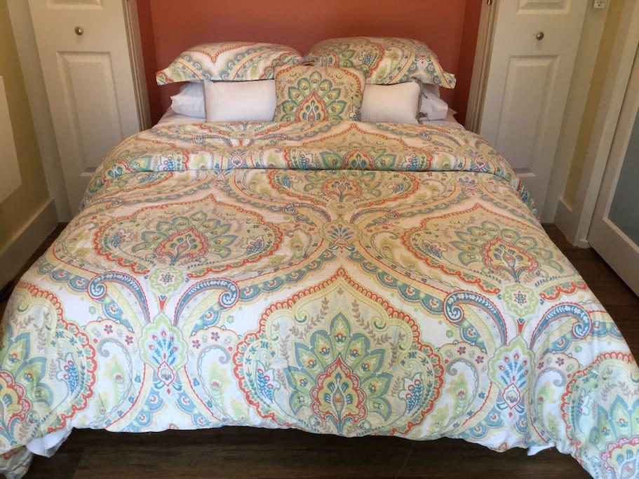 Queen Murphy Bed. Memory  Foam Mattress. Fresh linens