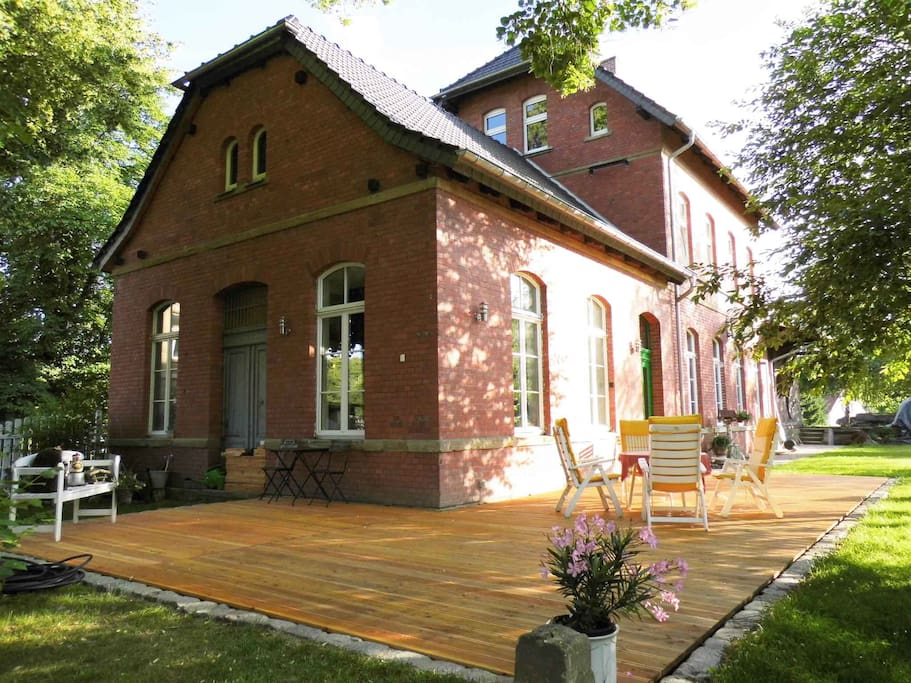Bahnhof Droyßig - Gartenansicht