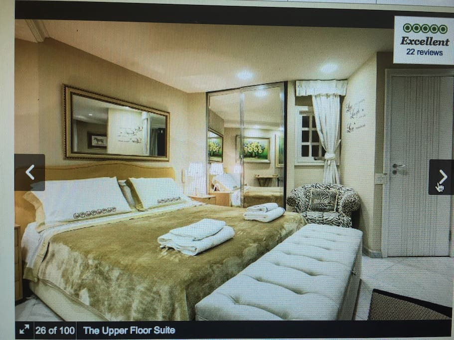Master Suite For Bedroom's lovers. A peaceful  suite to rest after your journey .