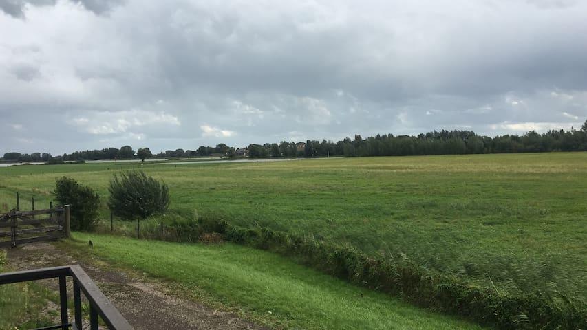 Geweldig locatie buitendijks in Gorinchem