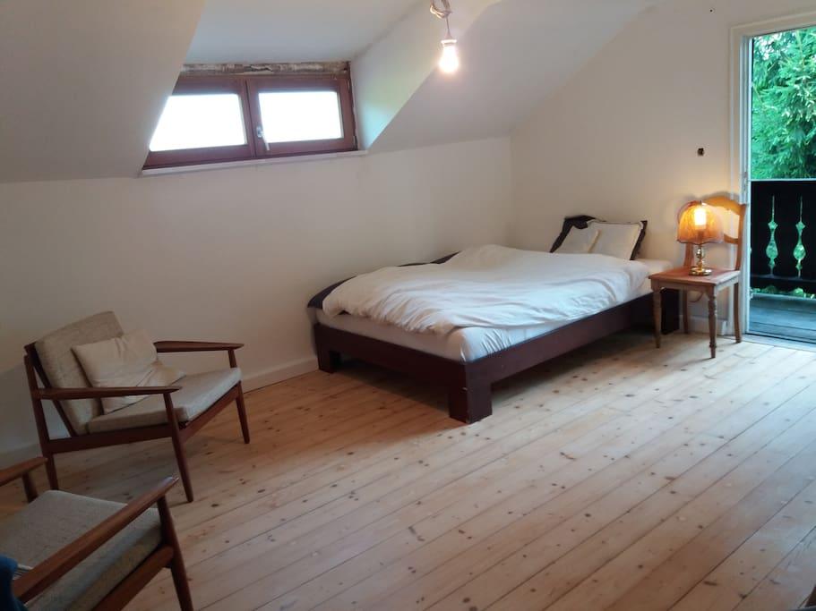 Schlafzimmer 2 OG
