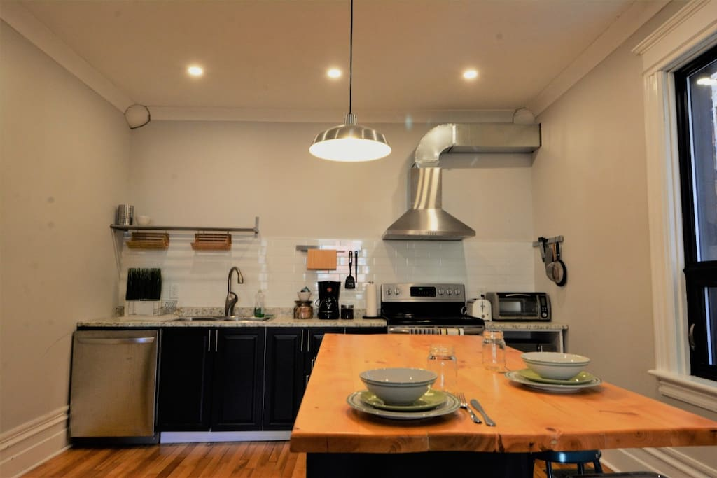 Well appointed kitchen for all of your cooking, dining and coffee-making needs.