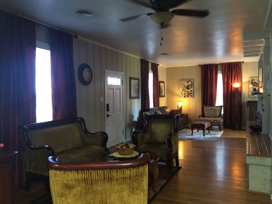 Visit, play games, read, relax - the parlor and living room are just the right place for all of the above!